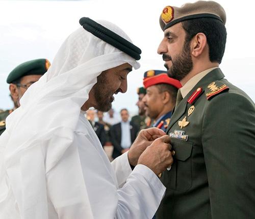 Abu Dhabi Crown Prince Honors Members of UAE Armed Forces