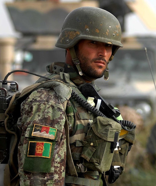 Afghanistan Seeks Iran's Help to Train Armed Forces