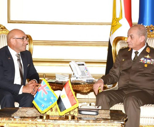 Egypt's Defense Minister Receives New Zealand Counterpart