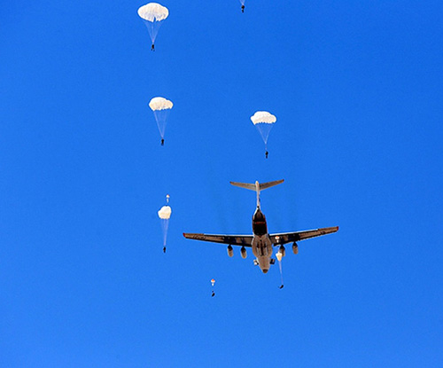 Fifty Russian Paratroopers Land in Egypt for Joint Drills