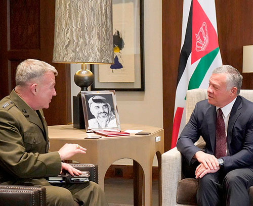 Jordanian King Receives Commander of US Central Command