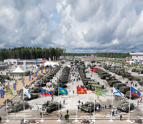 Russia Invites Foreigners to Army 2020 Forum