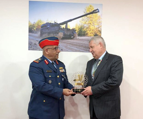 UAE Defense Delegation Attends MSPO Exhibition in Poland