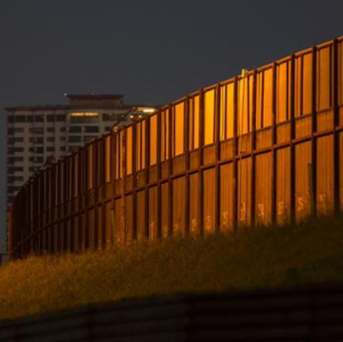 US Panel Approves $10 Billion Security Bill for Border Wall