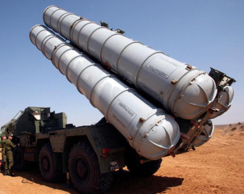 Iran Displays First Battalion of S-300 Missile Defense System