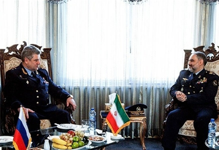 Iranian, Russian Air Commanders Discuss Cooperation