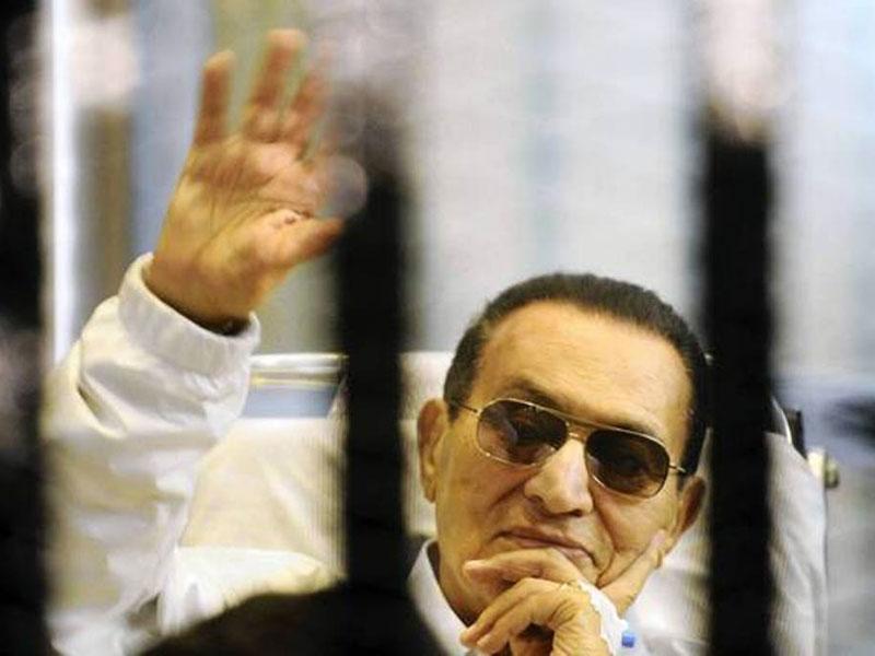 Mubarak Under Guard at Military Hospital