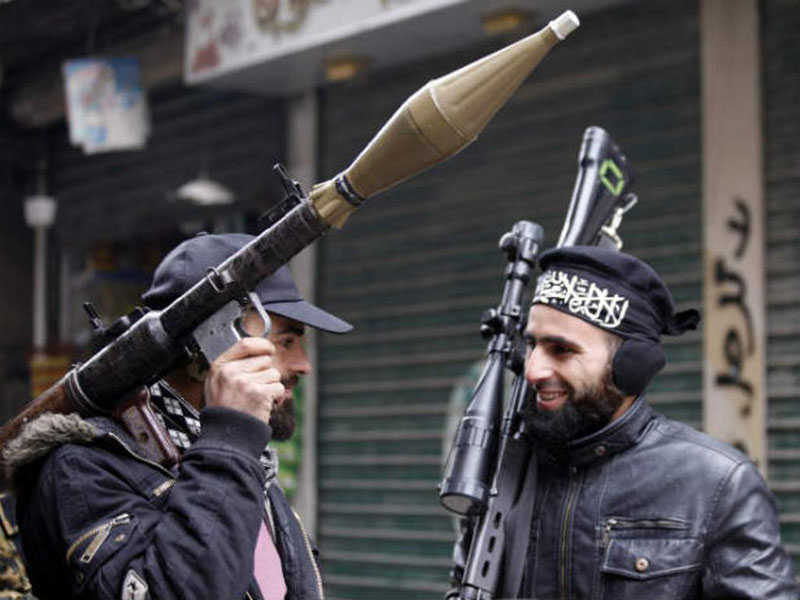 Pakistan Denies Plans to Send Weapons to Syrian Rebels