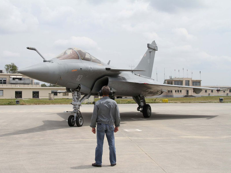 "DGA Takes Delivery of 1st Retrofitted Rafale ""Marine"""