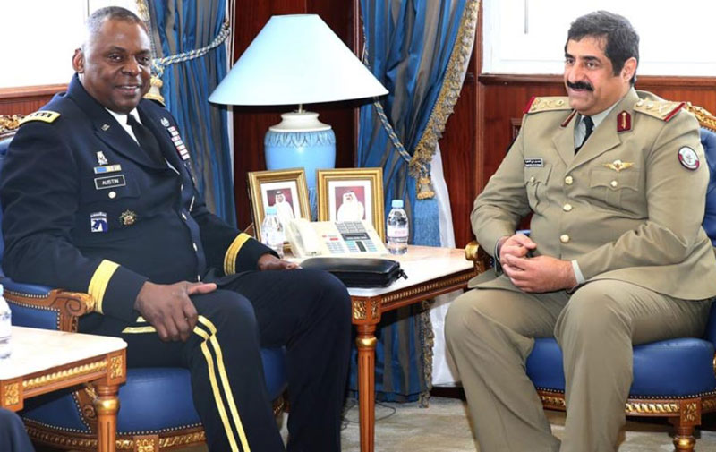 Qatar Defense Chief Meets US Central Army Commander