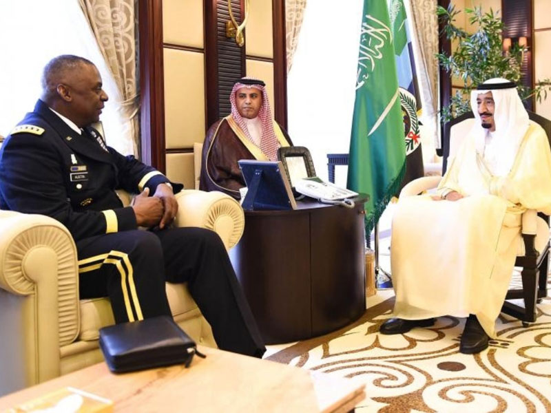 Saudi Crown Prince Receives Chief of US Central Command