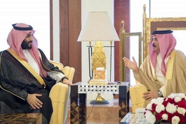 Bahrain's King Receives Saudi Defense Minister