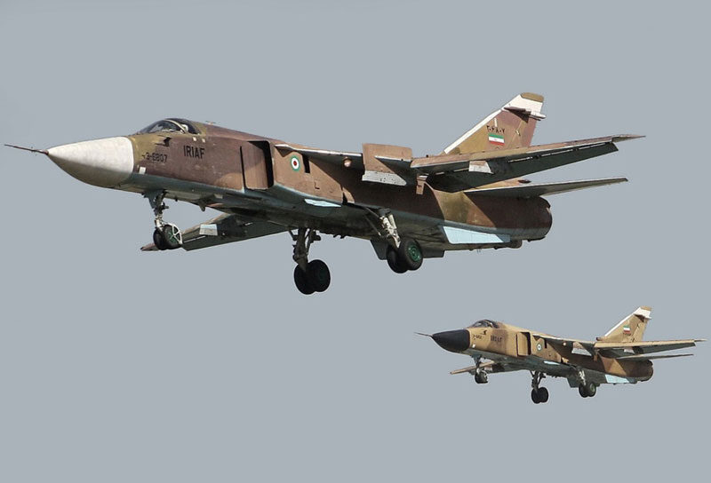 Iranian Air Force Conducts Wargames in Isfahan Province
