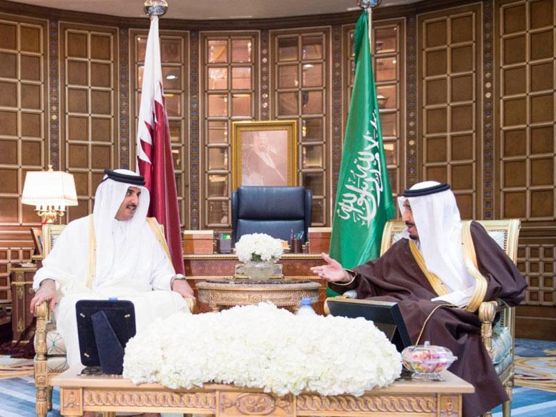 Saudi King, Qatar's Emir Hold Official Talks