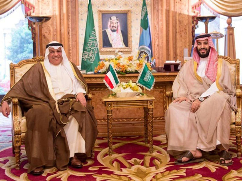 Saudi, Kuwaiti Defense Ministers Hold Talks