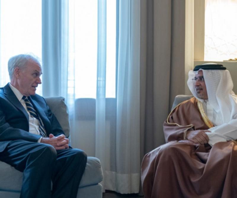 US Secretary of the Navy Meets Top Bahraini Officials | Al