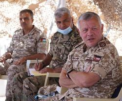 Jordanian King Commends Army's Role in Protecting Borders