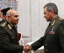 Egyptian Defense Minister Receives Russian Counterpart