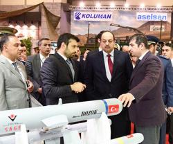 Qatar Defense Minister Concludes Visit to IDEF 2017