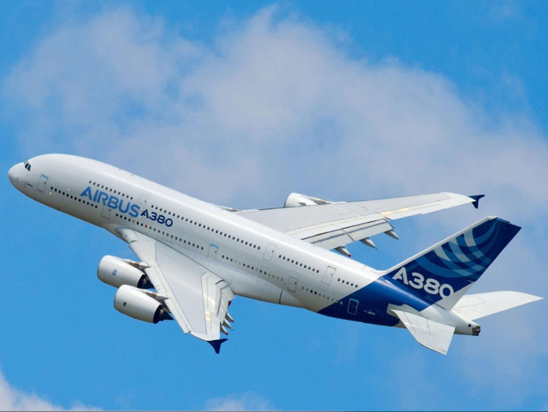 Airbus plans to cut production of its A380 superjumbo from 2017 as it struggles to revive sales of the world's largest passenger jet, industry sources said.