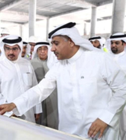 Bahrain Crown Prince Tours Airport's Expansion Project