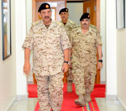 Bahrain's Defense Chief Receives British Naval Commander