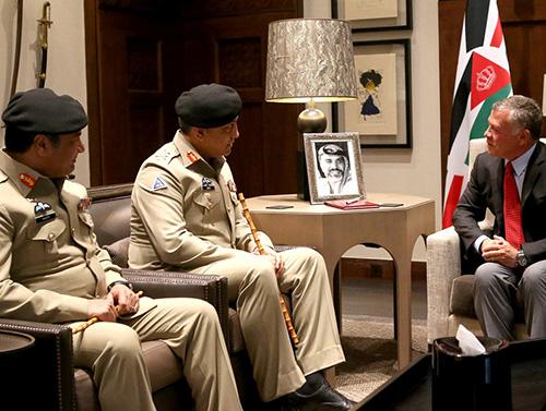 Jordanian King Meets British, Pakistani Military Delegations