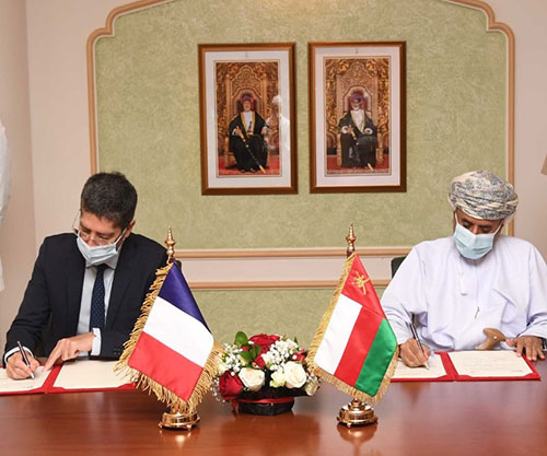 Oman, France Sign MoU in Military Cooperation