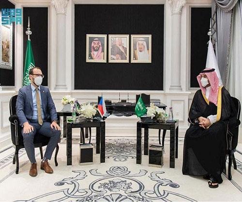 Saudi Deputy Defense Minister Receives Czech Counterpart
