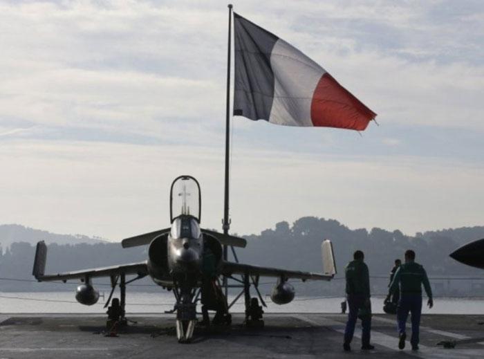 Seven Defense Ministers Discuss Anti-ISIS Strategies in Paris