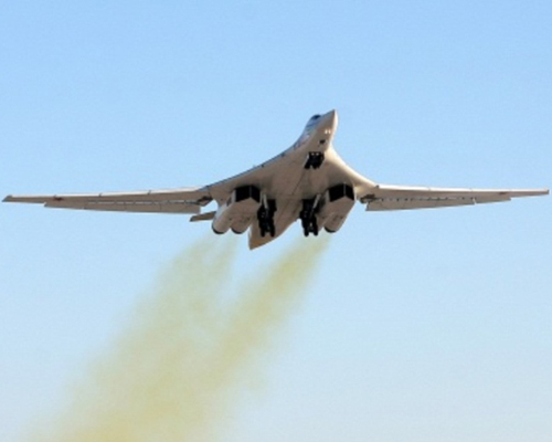 Russia Resumes Production of Upgraded Tu-160 Bomber