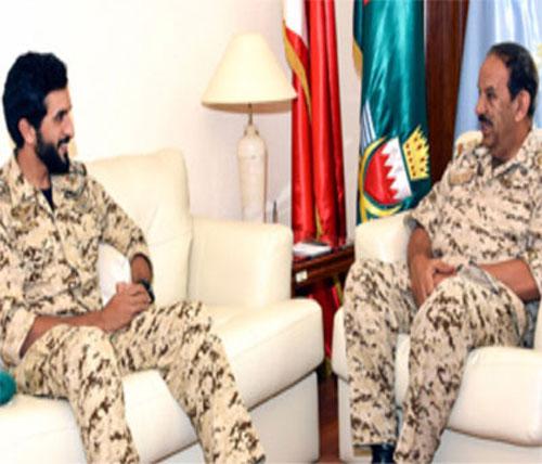Bahrain's Defense Chief Receives Royal Guard Commander
