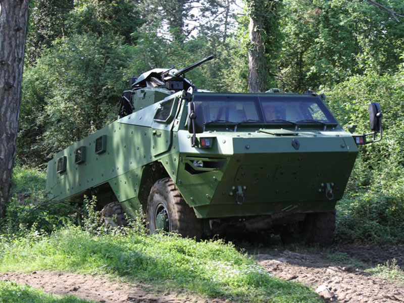 Renault Trucks Defense, Thales Team on Digitized Vehicle Systems