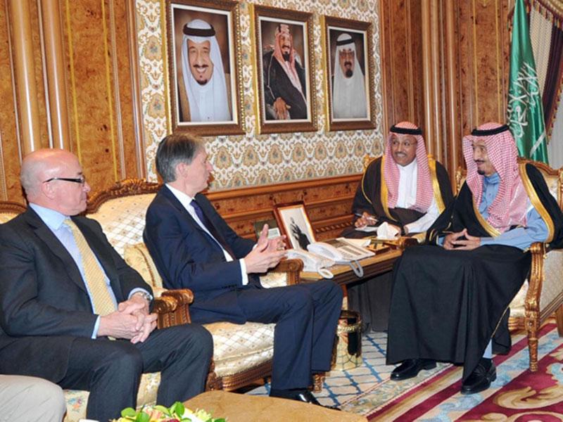 Saudi Crown Prince Receives British Defense Secretary