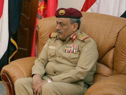 Yemen's Chief-of-Staff Meets Kuwait's Military Attaché