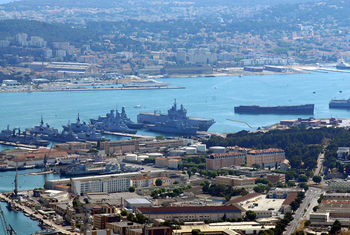 Military port of Toulon in 2009. (Photo: Jesfr)