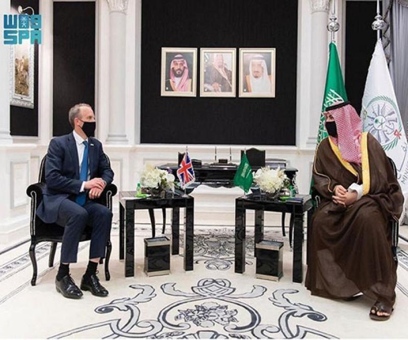 Saudi Deputy Defense Minister, UK Foreign Secretary Review Bilateral Relations