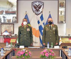 Chief of Staff of UAE Armed Forces Meets Cypriot Counterpart